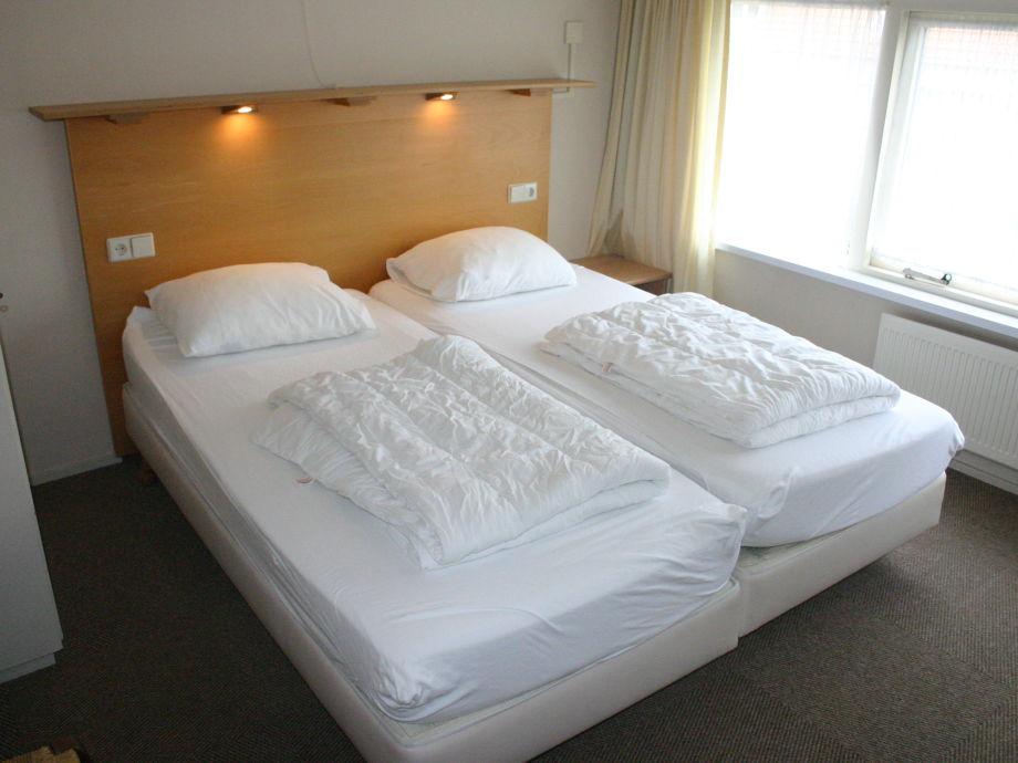 ferienhaus egelantierlaan 27 zeeland cadzand bad firma immo de nijs herr jan de nijs. Black Bedroom Furniture Sets. Home Design Ideas
