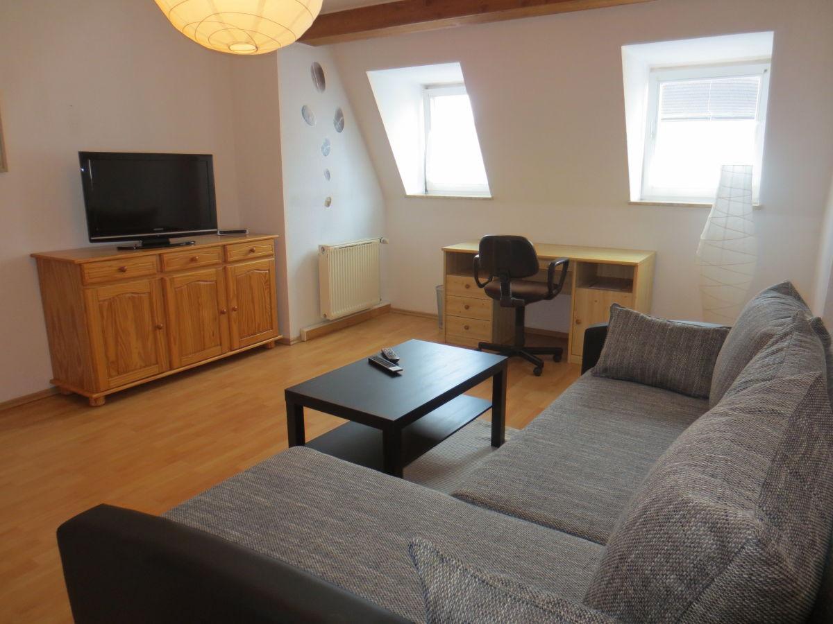 ferienwohnung haus gr nderzeit 2 zimmer g rlitz frau. Black Bedroom Furniture Sets. Home Design Ideas