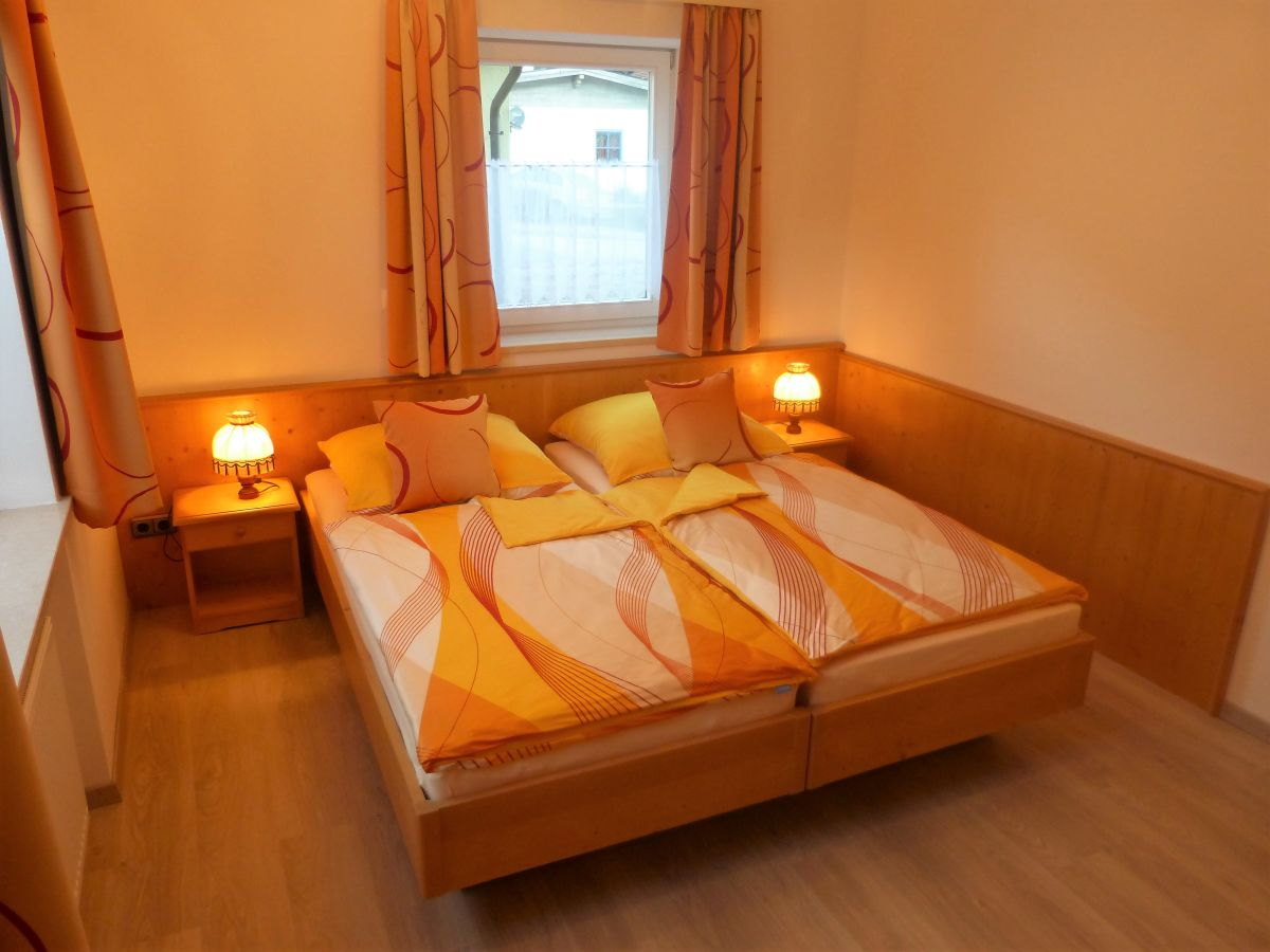 ferienwohnung kaiserblick chiemsee familie peter hacherer. Black Bedroom Furniture Sets. Home Design Ideas