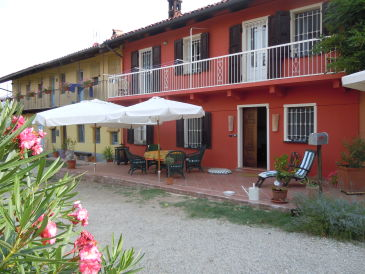 Holiday house Ca' Momplin in Piedmont