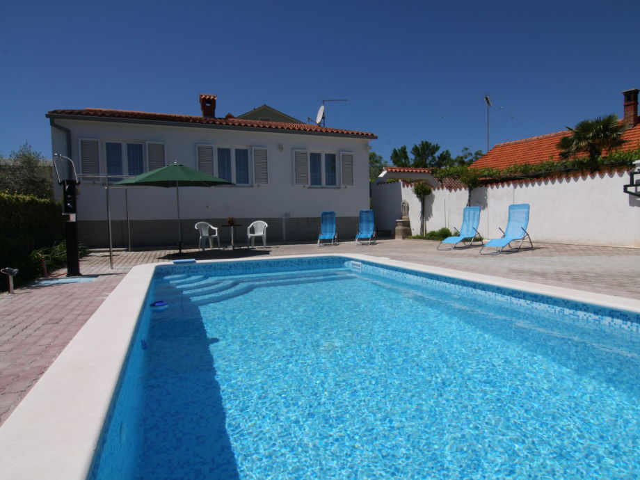Swimmingpool-Villa Veli Vrh in Pula - Istrien