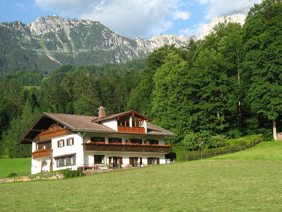 Das Haus, im Hintergrund der Kehlstein
