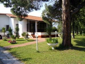 Villa mit privatem Pool und großem Garten
