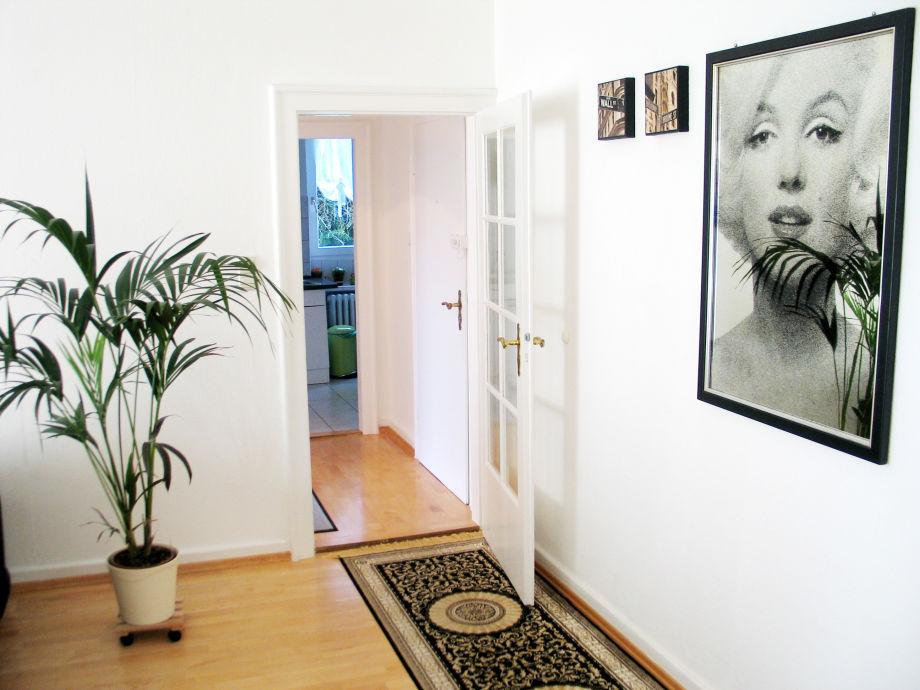 wohnzimmer dekoration und pflanze