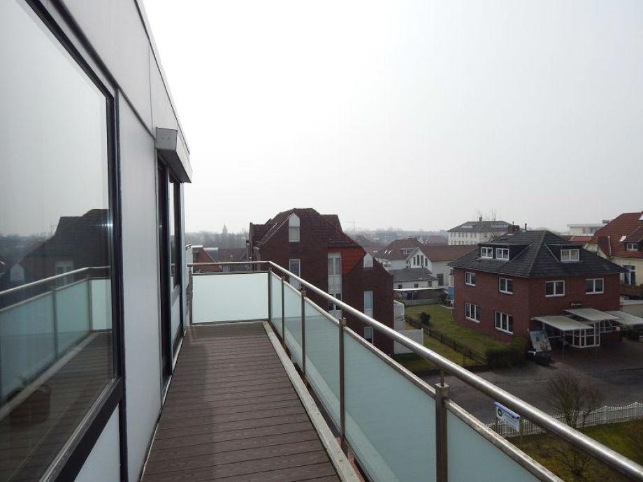 Großer Balkon mit schönem Ausblick