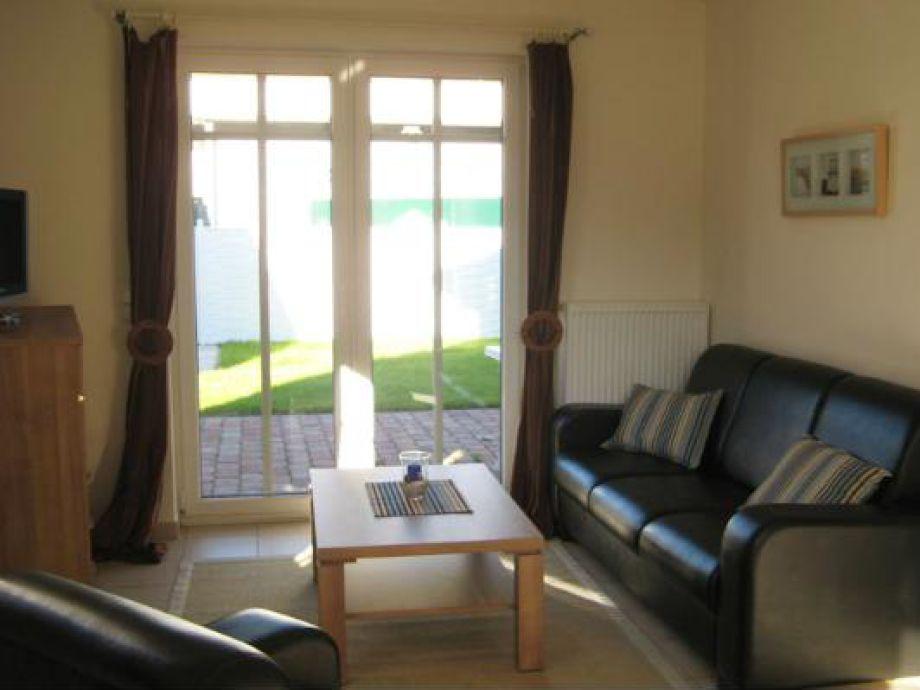 Wohnzimmer mit extragroßen Fenstern