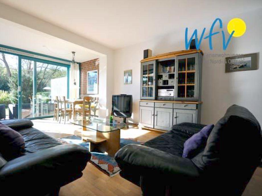 Wohnzimmer mit extra großem Fenster