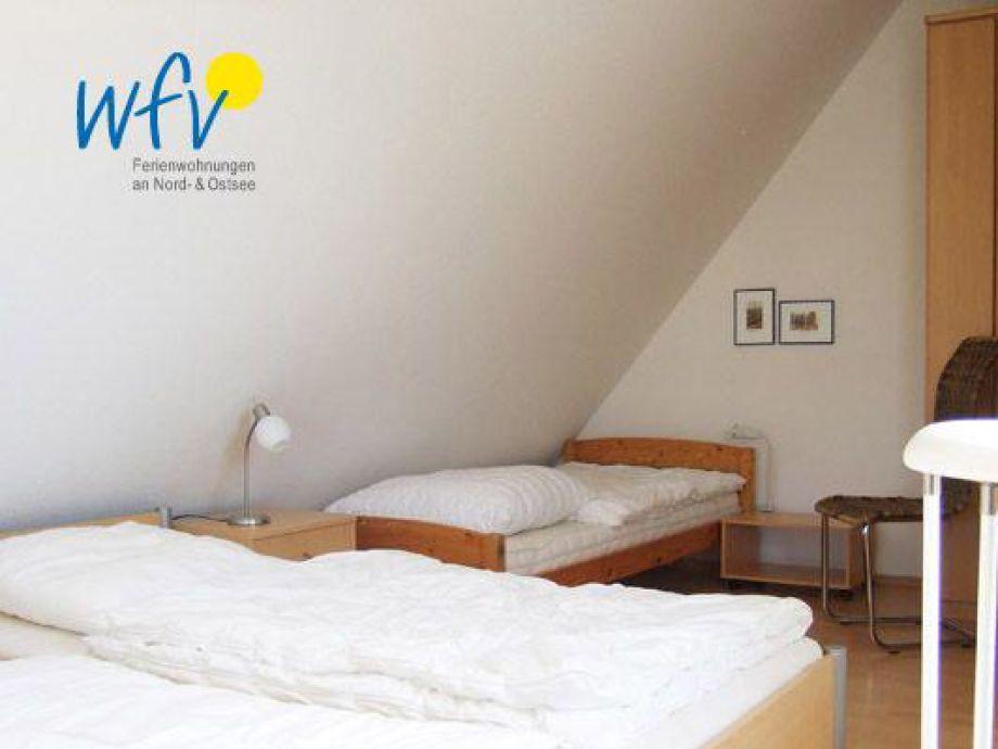 Schlafzimmer dachschr ge farbe beste ideen f r moderne for Schlafzimmer wandgestaltung farbe