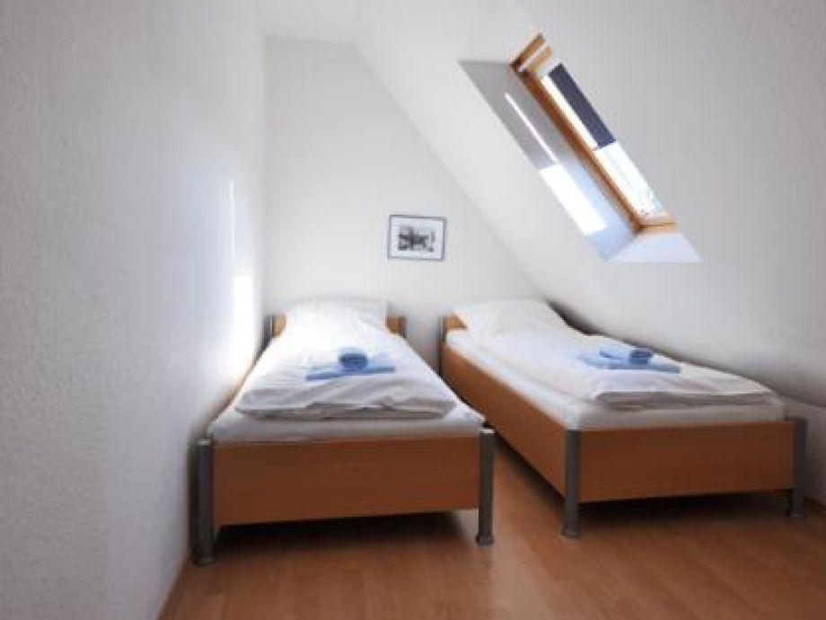 Ferienwohnung haus am dorfbrunnen 630007 niedersachsen for Moderne einzelbetten