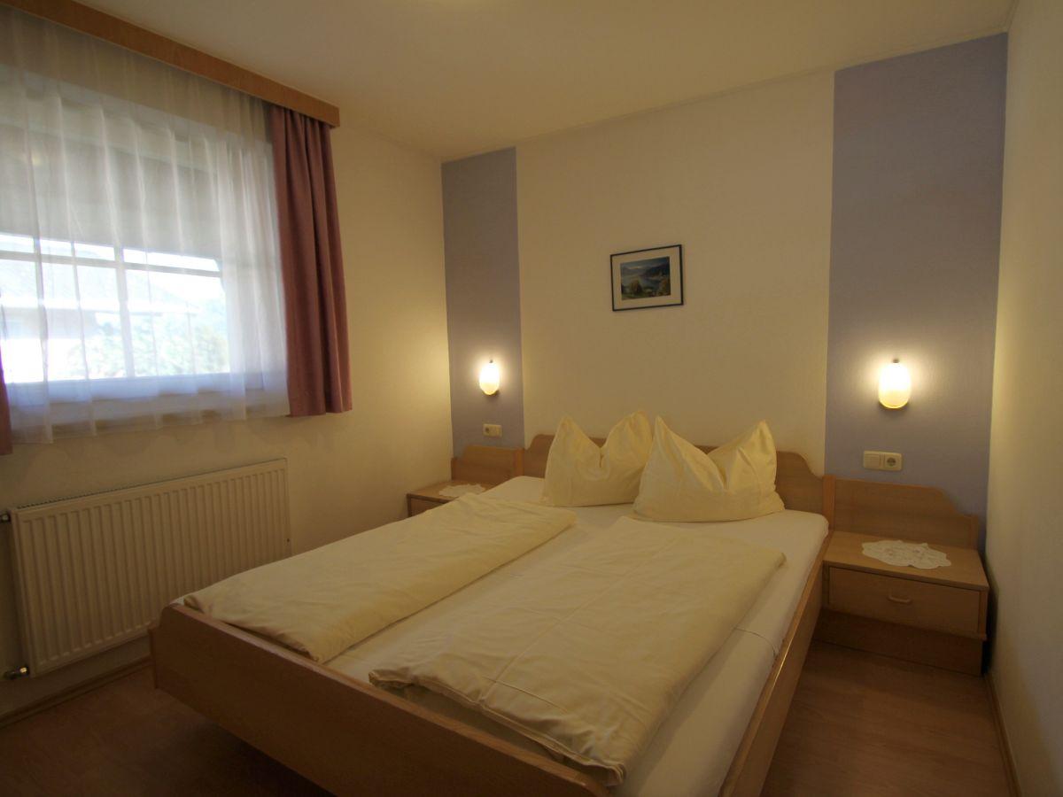 ferienwohnung appartement mary 3 6 personen zell am see kaprun firma appartements mary. Black Bedroom Furniture Sets. Home Design Ideas