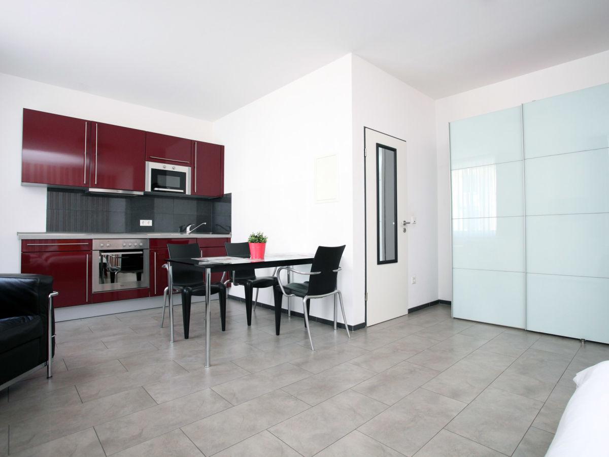 ferienwohnung loft im herzen von k ln k ln frau antonietta riccio. Black Bedroom Furniture Sets. Home Design Ideas