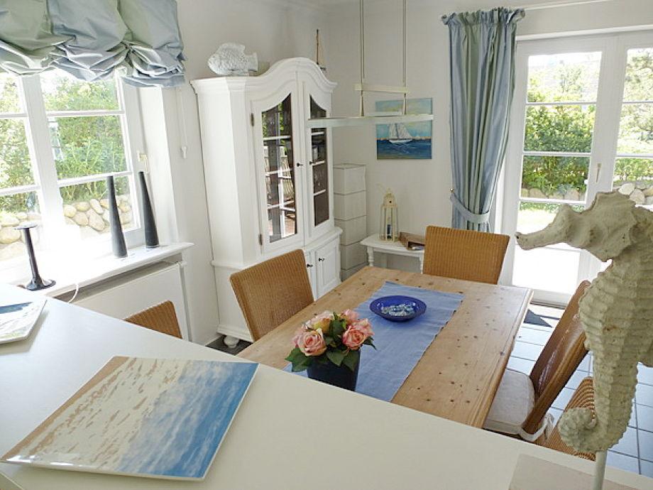 maritimes wohnzimmer. Black Bedroom Furniture Sets. Home Design Ideas