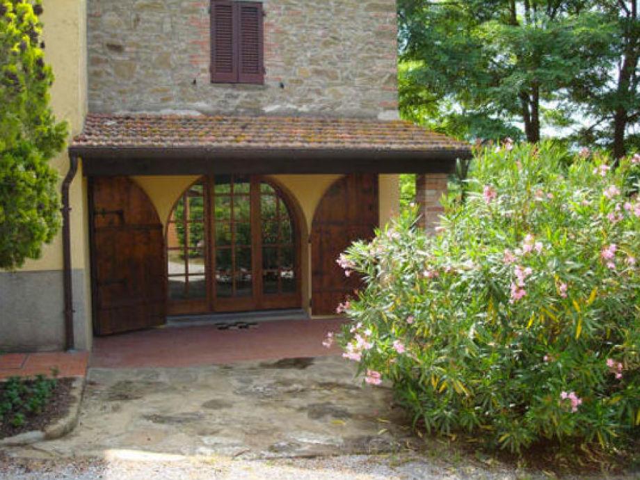 Portico La Pastina mit Eingang zu Esszimmer