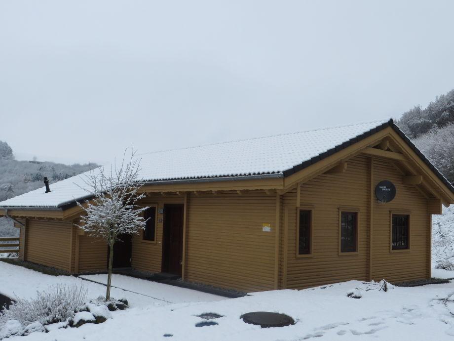 Haus Maja im Winter bei Schnee
