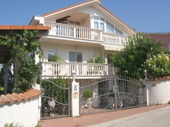 ferienwohnung elke kroatien mitteldalmatien frau elke maksan. Black Bedroom Furniture Sets. Home Design Ideas