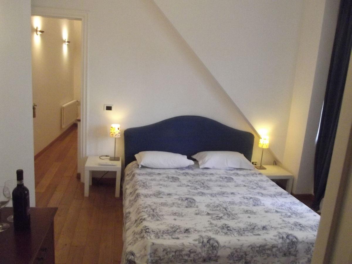 Villa haus gabriele rom herr mario arena - Schlafzimmer rom ...