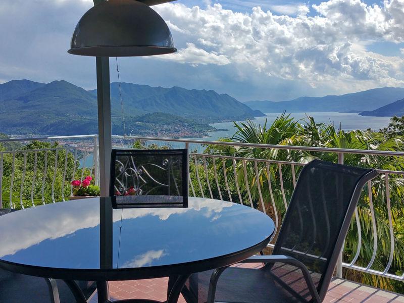 Ferienwohnung mit Traum- Ausblick am Lago Maggiore