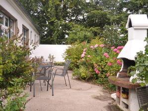 """Bauernhof Gut Kirchmühl, Ferienwohnung """"Hortensie"""""""