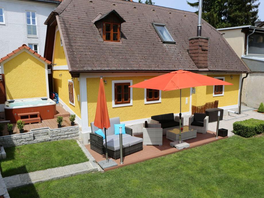 Ferienhaus kuferhaus gmunden gmunden traunsee for Lounge garnitur terrasse