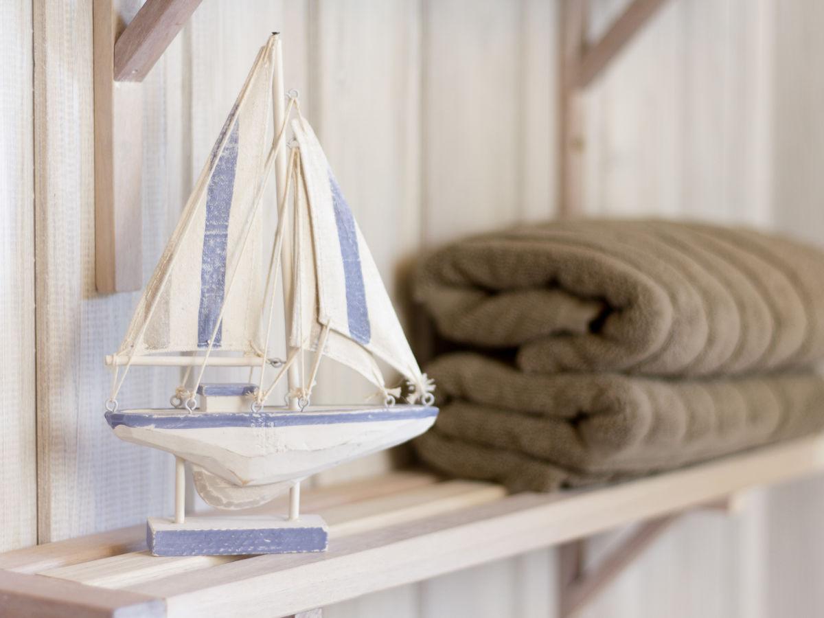 Ferienhaus fargau kieler bucht selenter see - Maritime deko ...