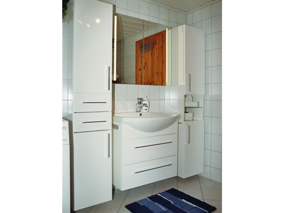 Ferienhaus das zweite zuhause unter reet - Ludwig badezimmer ...