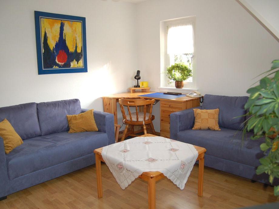 ferienwohnung 1 wiesbaden citynahe rhein taunus das wohnzimmer wiesbaden telefon. Black Bedroom Furniture Sets. Home Design Ideas