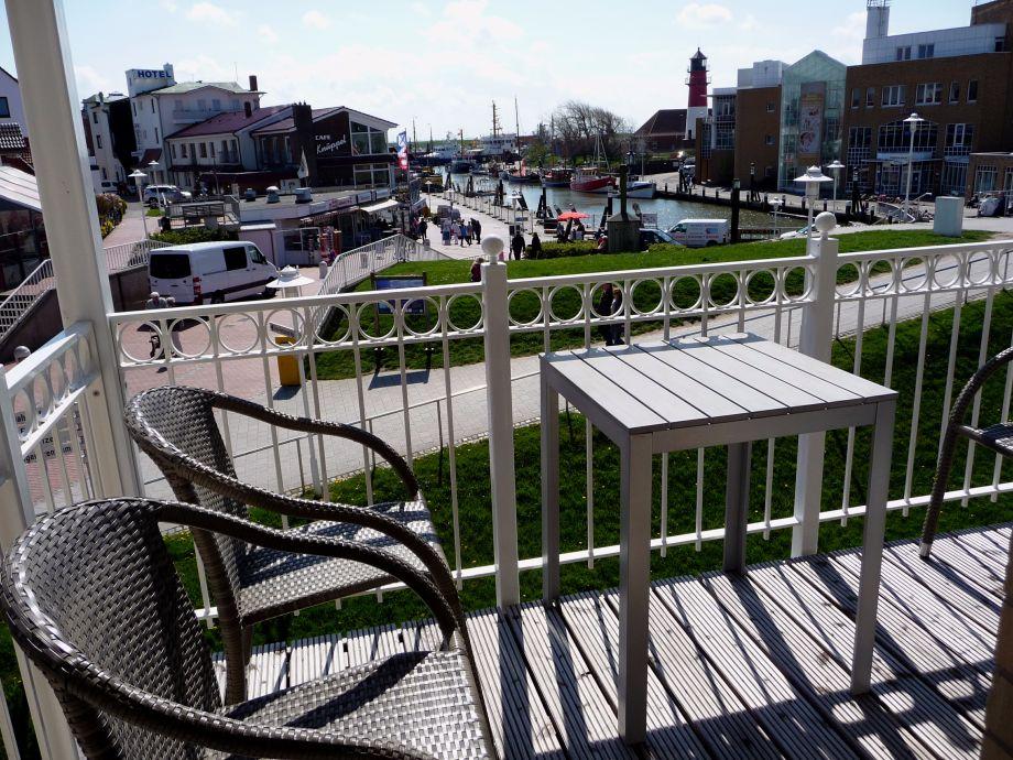 Balkon mit wunderschöner Aussicht zum Hafen