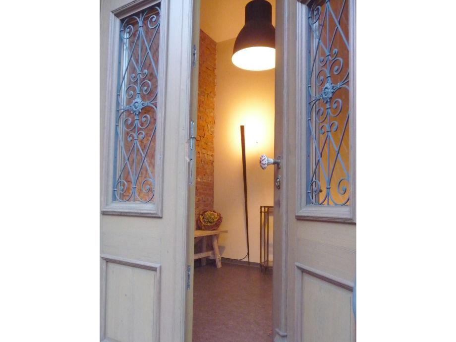 Alte Schultür -Eingang zur Ferienwohnung