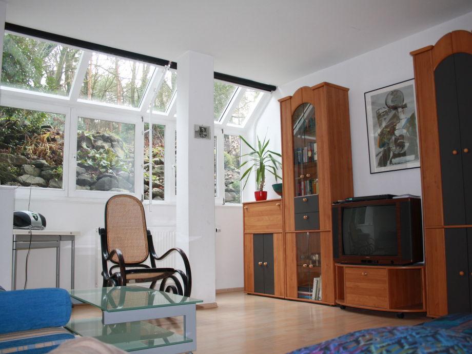 Wohnzimmer mit Verdunklungsmöglichkeit