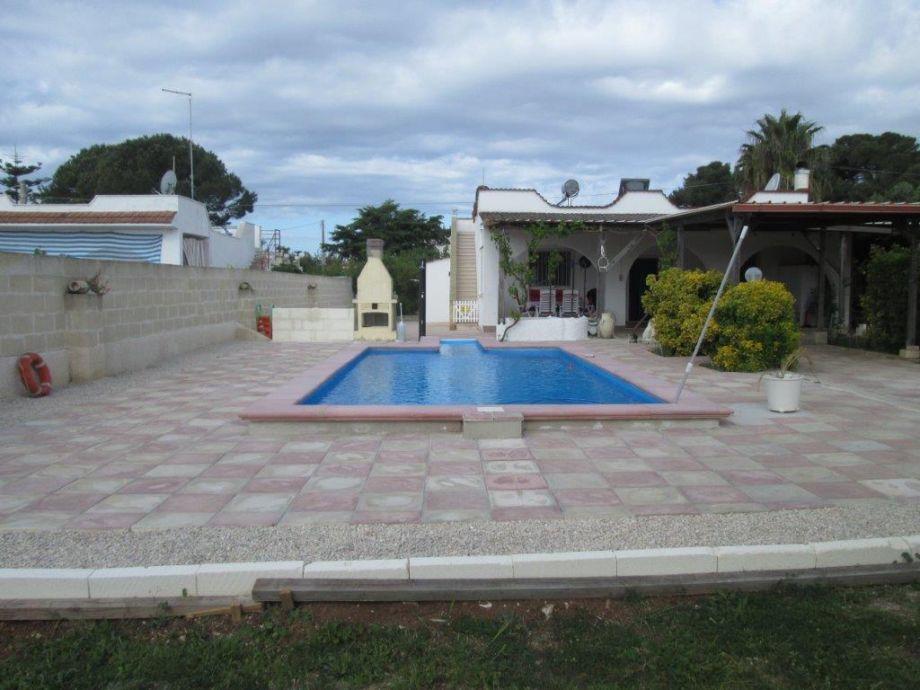 Pool ca. 8x4x1,30 m