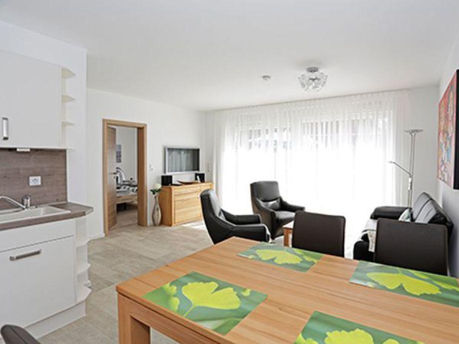 Ferienwohnung dohlennest am westkaap 3a nordsee for Wohnzimmer mit esstisch