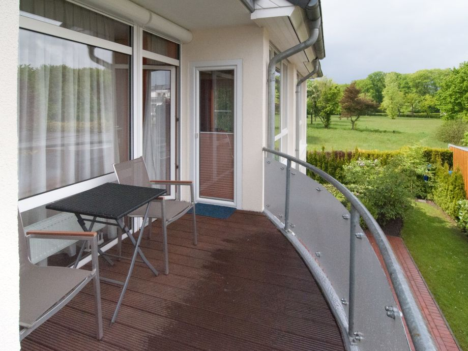 Balkon mit Blick ins Landschaftsschutzgebiet