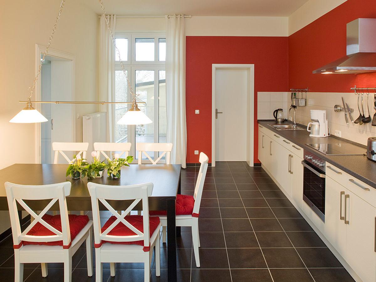 ferienwohnung rot in der alten reederei mecklenburgische seenplatte brandenburg herr. Black Bedroom Furniture Sets. Home Design Ideas