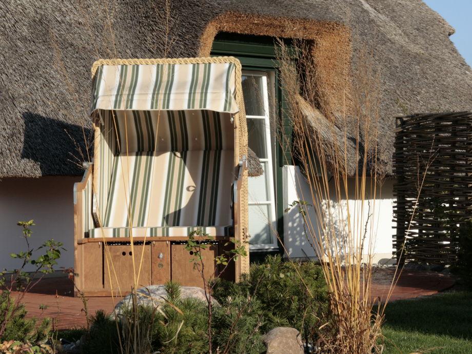Terrasse mit Wasserstein