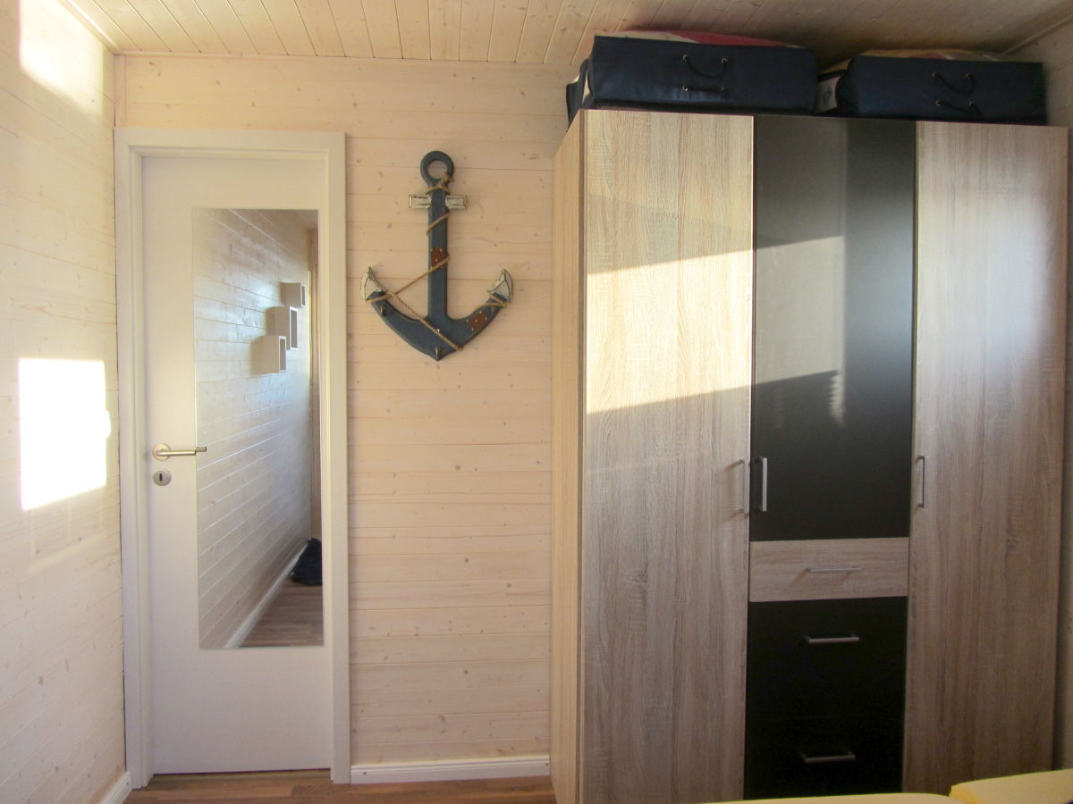 hausboot annis mehrblick fehmarn herr andreas hesselink. Black Bedroom Furniture Sets. Home Design Ideas