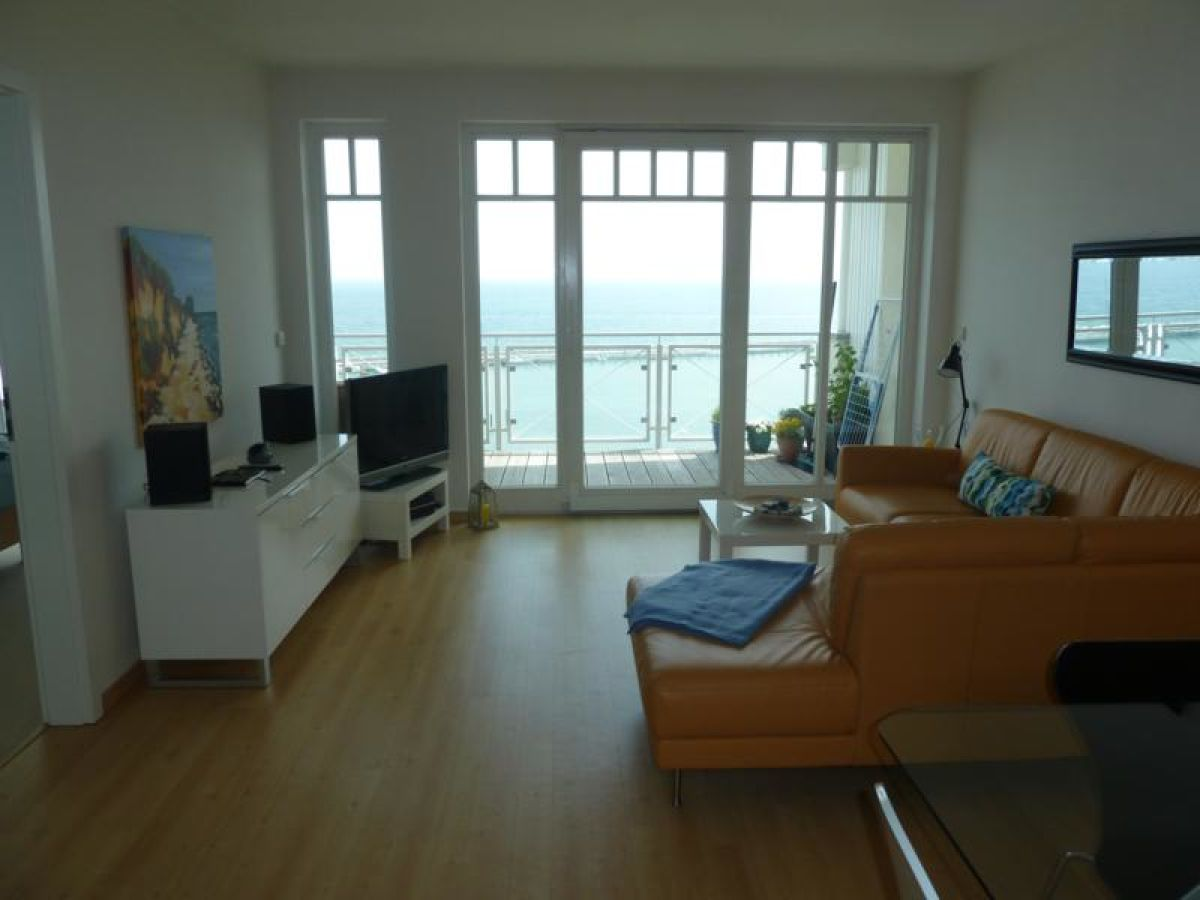 ferienwohnung meerwert penthouse sassnitz firma meerwert ferien frau judit kreiter. Black Bedroom Furniture Sets. Home Design Ideas