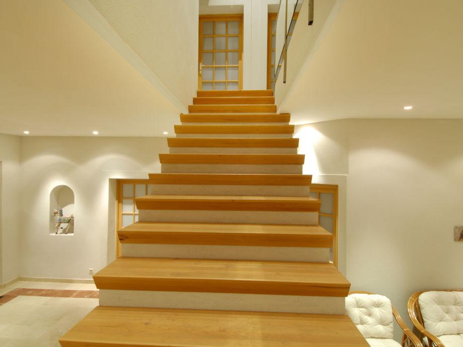 Le Treppenaufgang ferienhaus le carla montgey frankreich herr horst lettenmayer