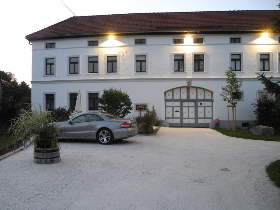 "Haus ""Belle Epoque"" in blühender Landschaft"