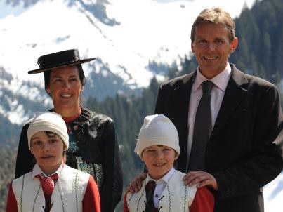 Ihr Gastgeber Corinna Holzinger mit Familie