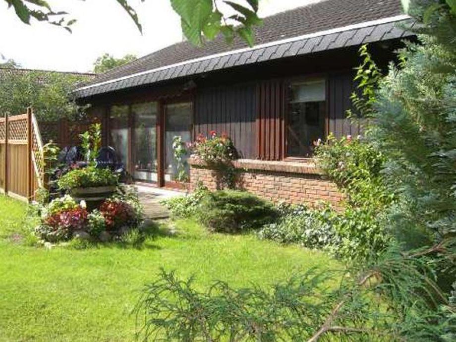 Terrasse mit schönem Garten