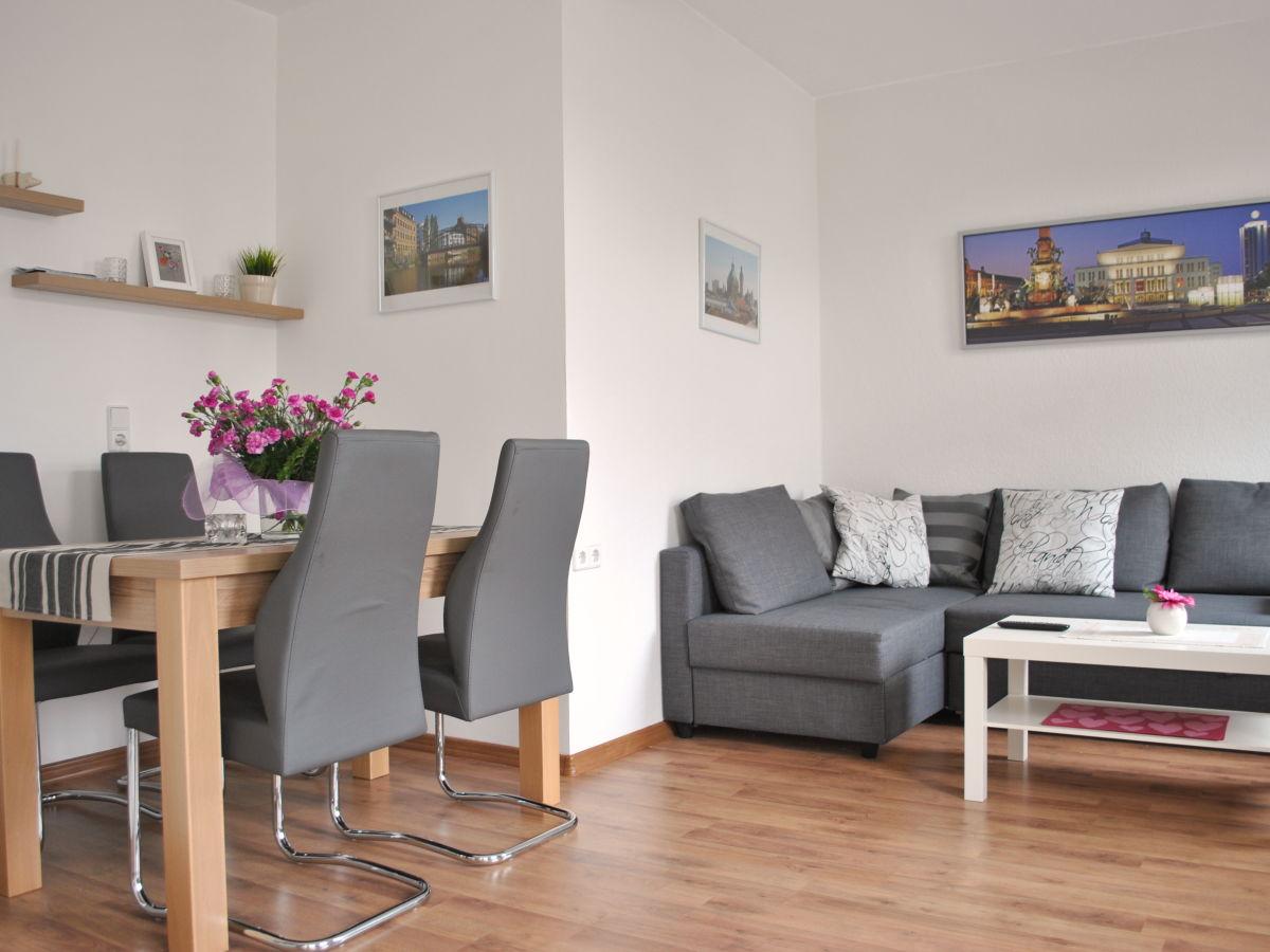 ferienwohnung messeapartment lindenau leipzig frau. Black Bedroom Furniture Sets. Home Design Ideas