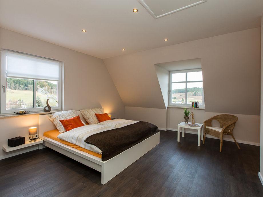 ferienwohnung l wenzahn erzgebirge westerzegbirge frau constance emmerlich. Black Bedroom Furniture Sets. Home Design Ideas