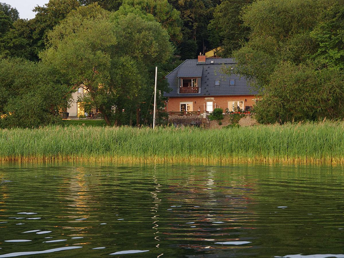 Ferienwohnung mozart direkt am see mit boot for Ferienwohnung am see