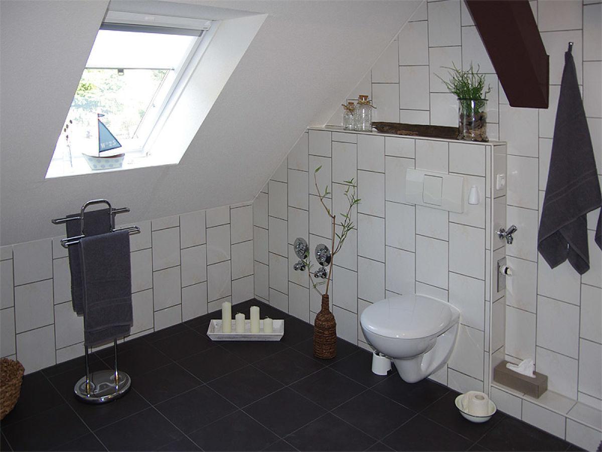 bad mit offene dusche und badewanne alle ihre heimat design inspiration. Black Bedroom Furniture Sets. Home Design Ideas