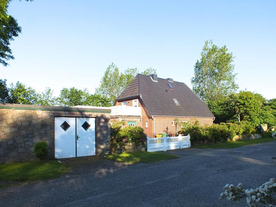 Landhaus in Nieblum, Badestrand in 2000 Metern.
