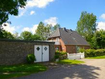 Holiday house Rotes Landhaus