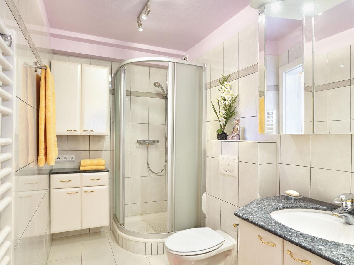 ferienwohnung die kleine seerose ostholstein l becker. Black Bedroom Furniture Sets. Home Design Ideas