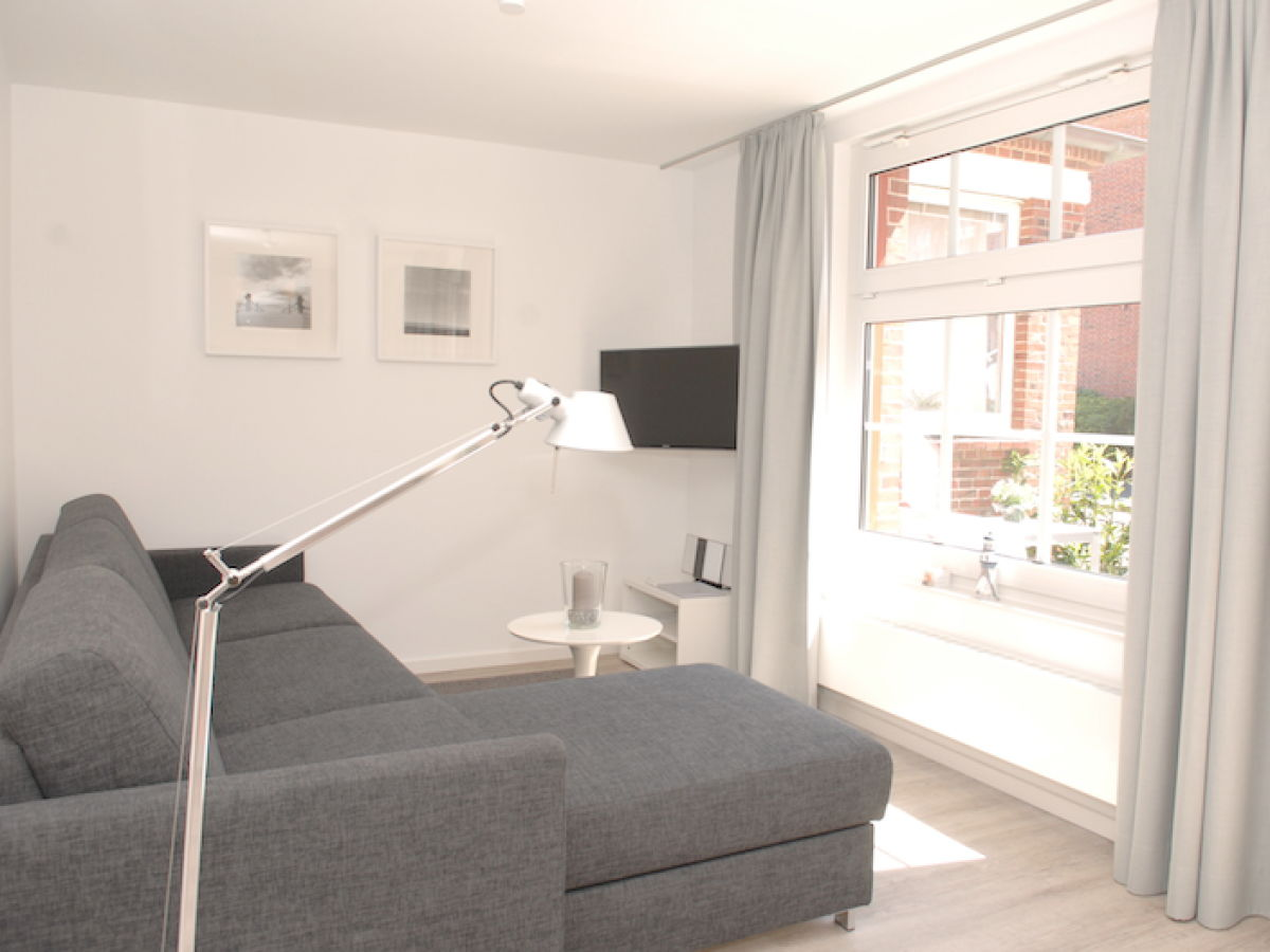 ferienwohnung haus flora kernsaniert erstbezug mai 2014 ful liese juist familie wildenhain. Black Bedroom Furniture Sets. Home Design Ideas
