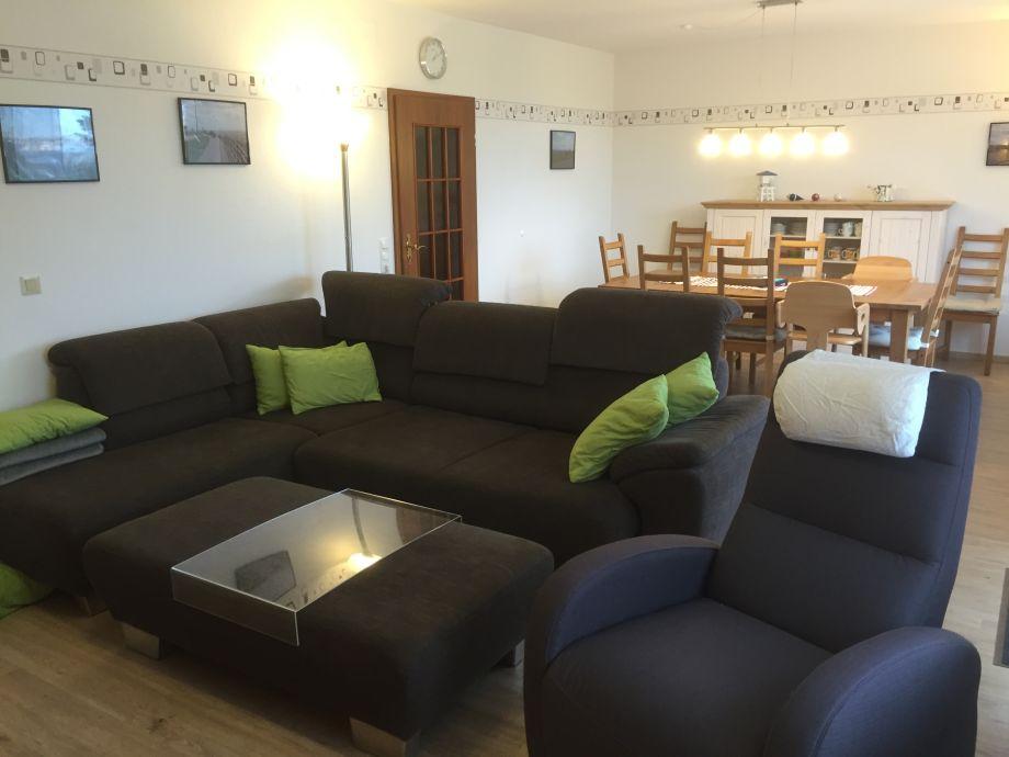 Der Wohnbereich mit Sofa