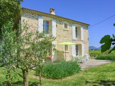 Provenzalisches Ferienhaus in den Weinreben bei Valréas